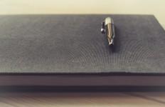 unsplash pen small
